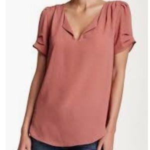 DR2 mauve pleated sleeve blouse